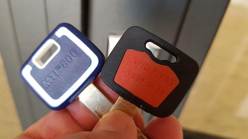 copia de llaves de coches eléctricos y cerrajeros de confianza